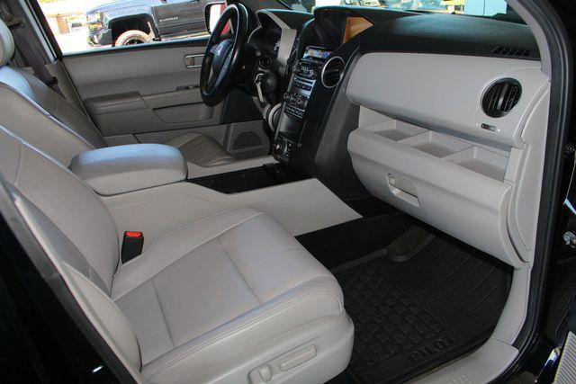 2014 Honda Pilot Touring FWD - NAVIGATION - REAR DVD - SUNROOF! Mooresville , NC 34