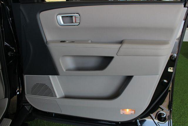 2014 Honda Pilot Touring FWD - NAVIGATION - REAR DVD - SUNROOF! Mooresville , NC 53