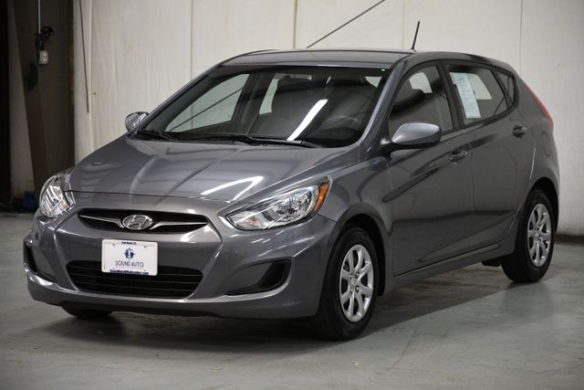 2014 Hyundai Accent 5-Door GS