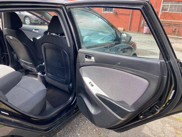 2014 Hyundai Accent 5-Door GS New Brunswick, New Jersey 17