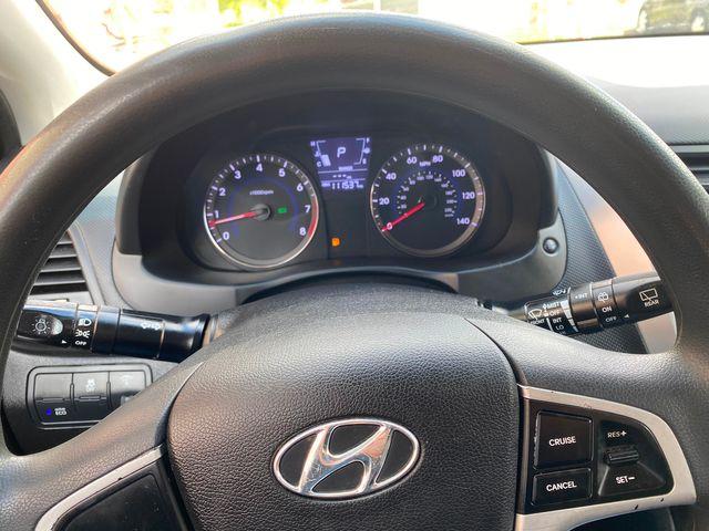 2014 Hyundai Accent 5-Door GS New Brunswick, New Jersey 10