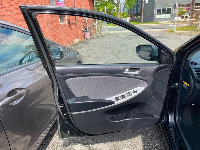 2014 Hyundai Accent 5-Door GS New Brunswick, New Jersey 20