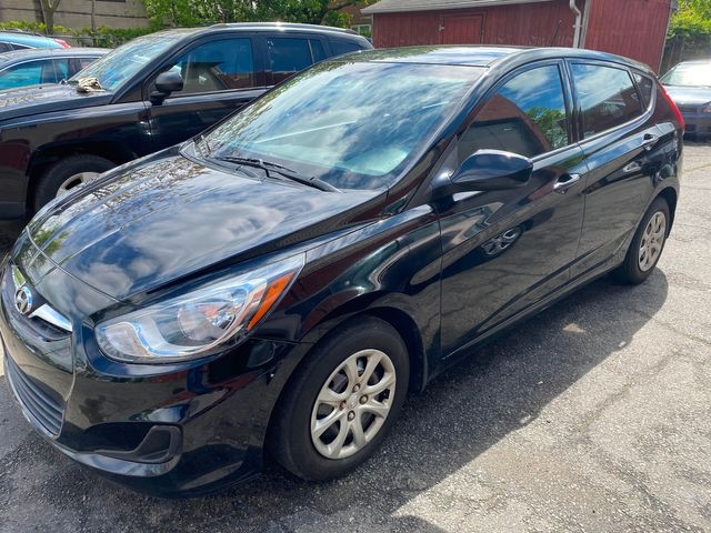 2014 Hyundai Accent 5-Door GS New Brunswick, New Jersey 4