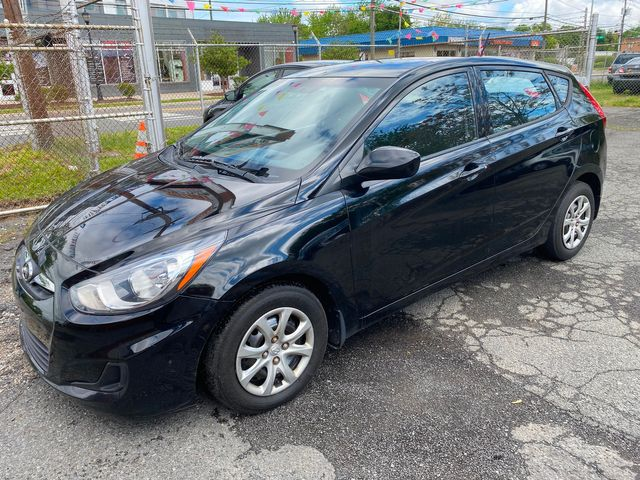 2014 Hyundai Accent 5-Door GS New Brunswick, New Jersey 2
