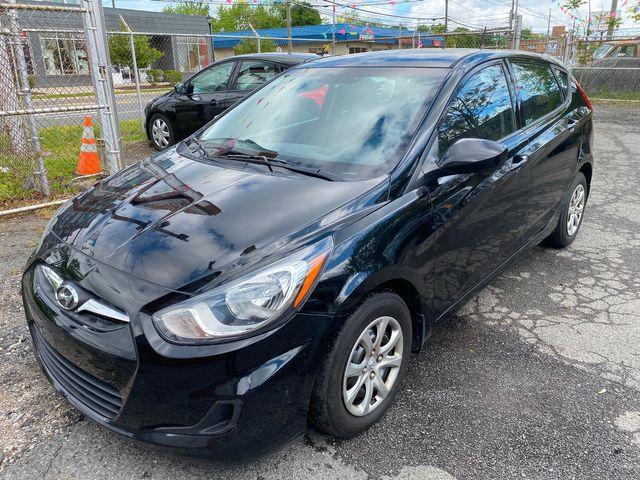 2014 Hyundai Accent 5-Door GS New Brunswick, New Jersey 3
