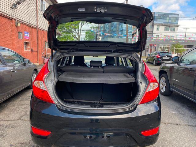 2014 Hyundai Accent 5-Door GS New Brunswick, New Jersey 8