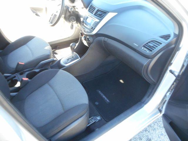 2014 Hyundai Accent 5-Door GS New Windsor, New York 18