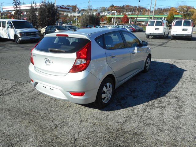 2014 Hyundai Accent 5-Door GS New Windsor, New York 5