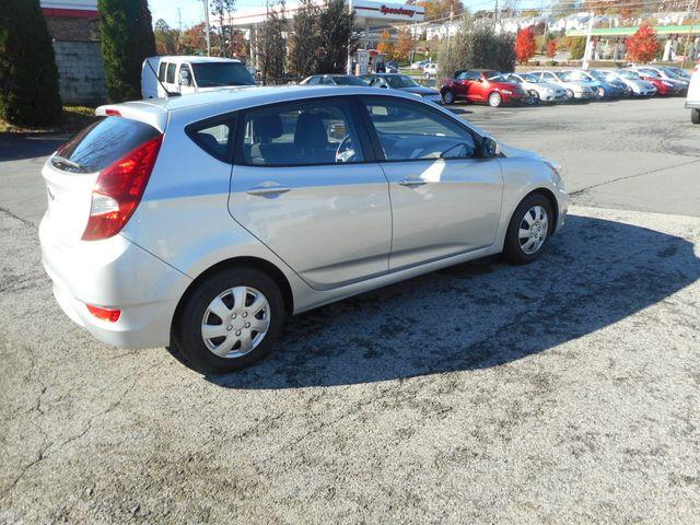 2014 Hyundai Accent 5-Door GS New Windsor, New York 6