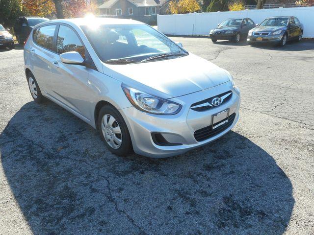 2014 Hyundai Accent 5-Door GS New Windsor, New York 9