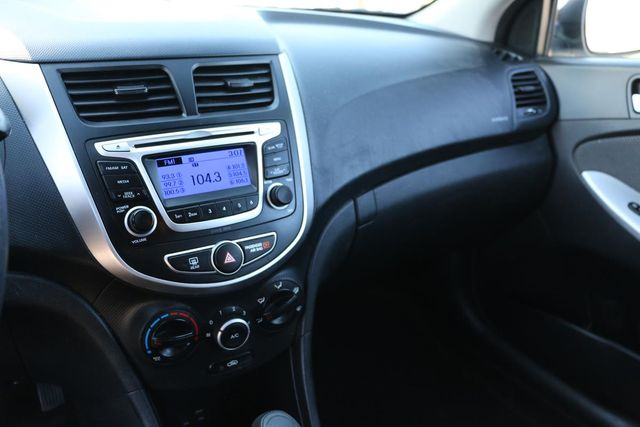 2014 Hyundai Accent 5-Door GS Santa Clarita, CA 17