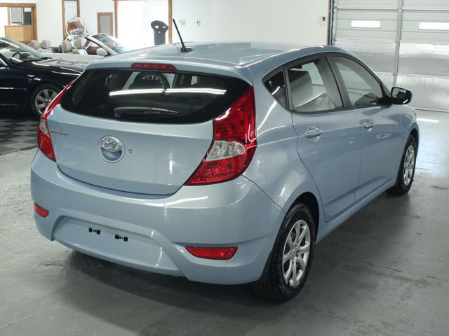 2014 Hyundai Accent  GS Hatchback Kensington, Maryland 4