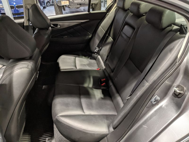 2014 Infiniti Q50   Lake Forest IL  Executive Motor Carz  in Lake Forest, IL