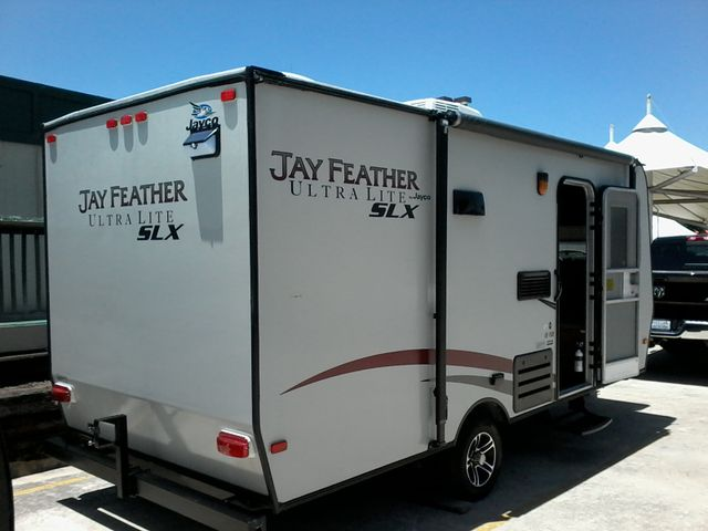 2014 Jayco JAY FEATHER ULTRA LITE SLX 18 FDB San Antonio, Texas 7