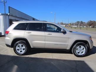 2014 Jeep Grand Cherokee 4X4 Laredo Houston, Mississippi 3
