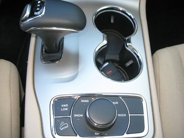 2014 Jeep Grand Cherokee Laredo 4X4 Richmond, Virginia 10