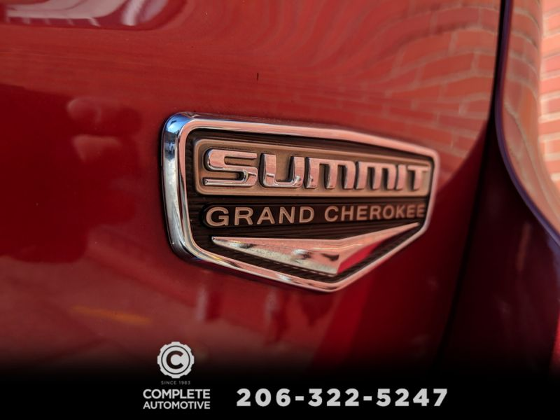 2014 Jeep Grand Cherokee Summit 4x4 HEMI V8 21000 Original Miles Local 1 Owner All Options  city Washington  Complete Automotive  in Seattle, Washington