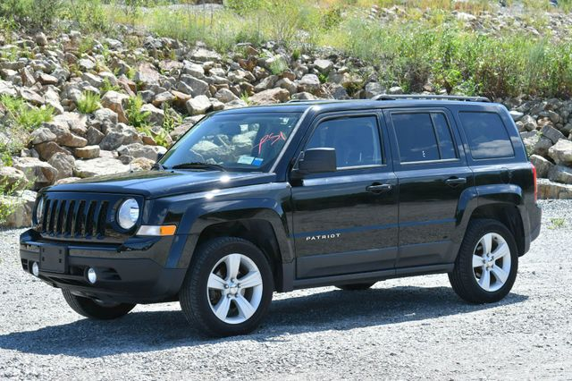 2014 Jeep Patriot Latitude 4WD Naugatuck, Connecticut 2