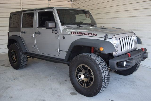 2014 Jeep Wrangler Unlimited Rubicon LIFTED W/CUSTOM TIRES AND WHEELS