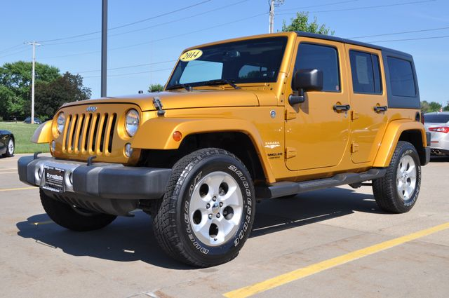 2014 Jeep Wrangler Unlimited Sahara Bettendorf, Iowa 26