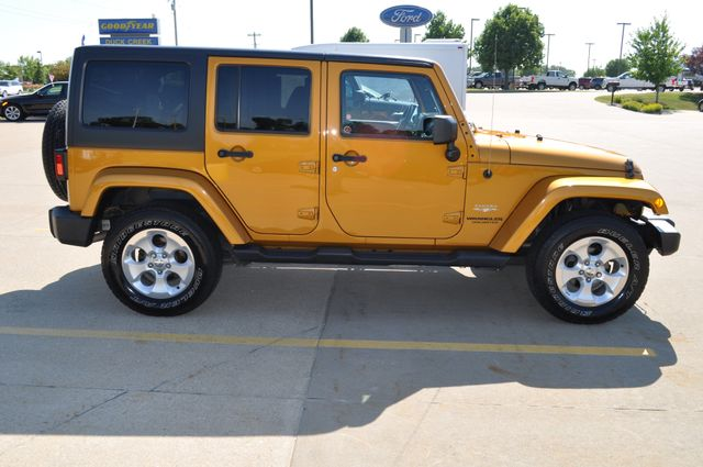 2014 Jeep Wrangler Unlimited Sahara Bettendorf, Iowa 7
