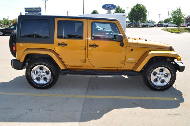 2014 Jeep Wrangler Unlimited Sahara Bettendorf, Iowa 23