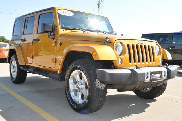 2014 Jeep Wrangler Unlimited Sahara Bettendorf, Iowa 27