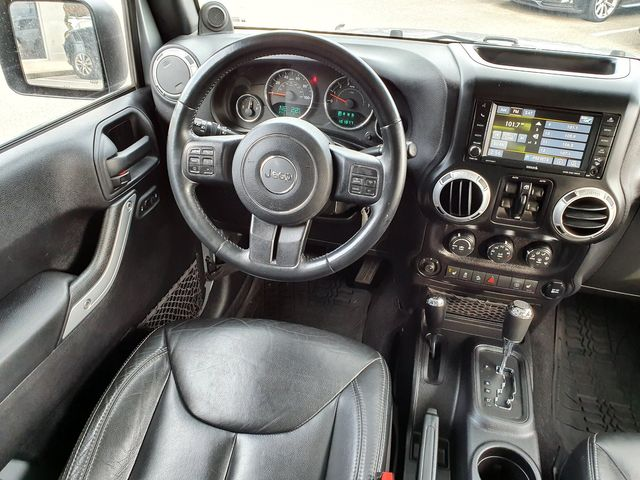 2014 Jeep Wrangler Unlimited Rubicon 4X4 Hard Top w/Leather/Navigation in Louisville, TN 37777