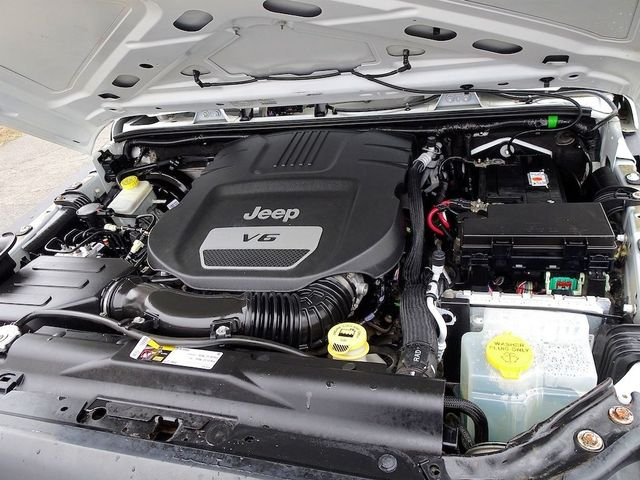 2014 Jeep Wrangler Unlimited Sport RHD Madison, NC 41
