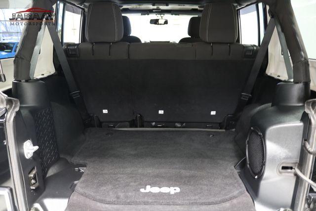 2014 Jeep Wrangler Unlimited Sahara Merrillville, Indiana 27