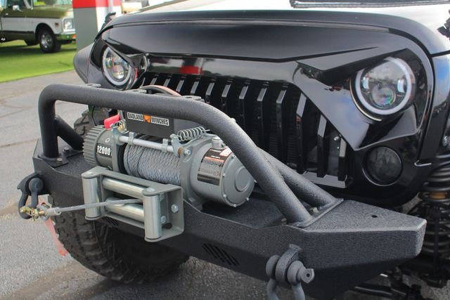2014 Jeep Wrangler Unlimited Sahara 4X4- LIFTED- TON$ OF EXTRA$- HEATED LEATHER Mooresville , NC 35