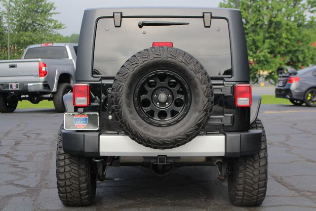 2014 Jeep Wrangler Unlimited Sahara 4X4- LIFTED- TON$ OF EXTRA$- HEATED LEATHER Mooresville , NC 16