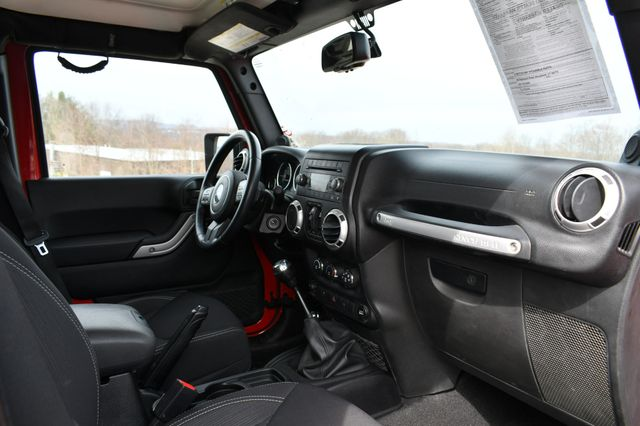 2014 Jeep Wrangler Unlimited Rubicon Naugatuck, Connecticut 10