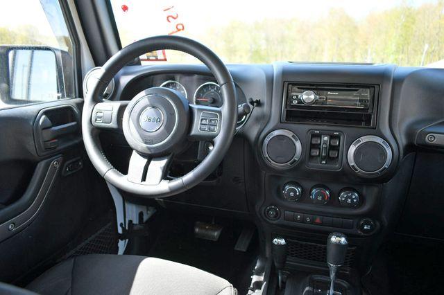 2014 Jeep Wrangler Unlimited Sport 4WD Naugatuck, Connecticut 12
