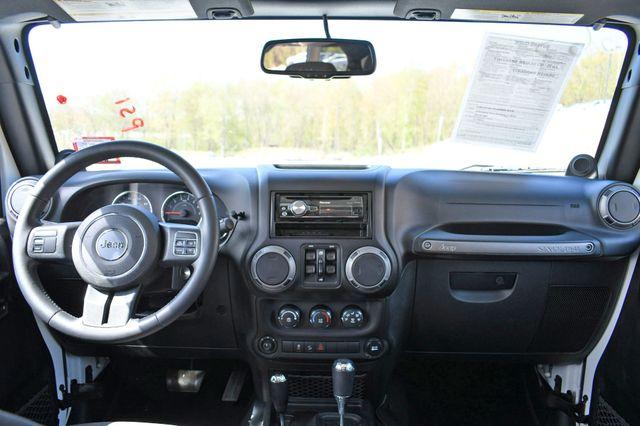 2014 Jeep Wrangler Unlimited Sport 4WD Naugatuck, Connecticut 13
