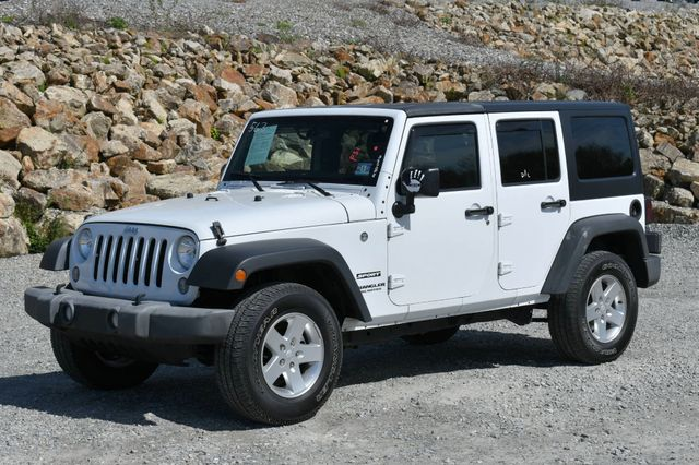 2014 Jeep Wrangler Unlimited Sport 4WD Naugatuck, Connecticut 2