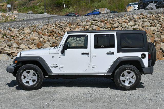 2014 Jeep Wrangler Unlimited Sport 4WD Naugatuck, Connecticut 3