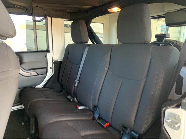2014 Jeep Wrangler Unlimited 6-Speed * LOTS O EXTRAS * Hard Top * LEDs * Alpine in Carrollton, TX 75006