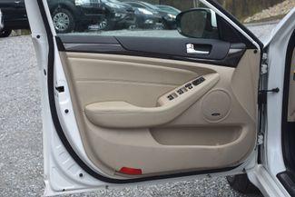 2014 Kia Cadenza Premium Naugatuck, Connecticut 17