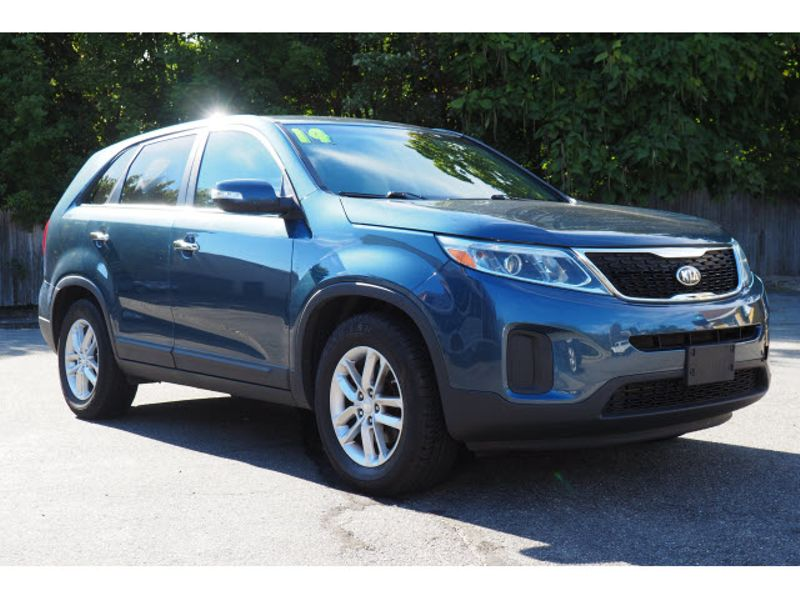 2014 Kia Sorento LX | Whitman, Massachusetts | Martin's Pre-Owned