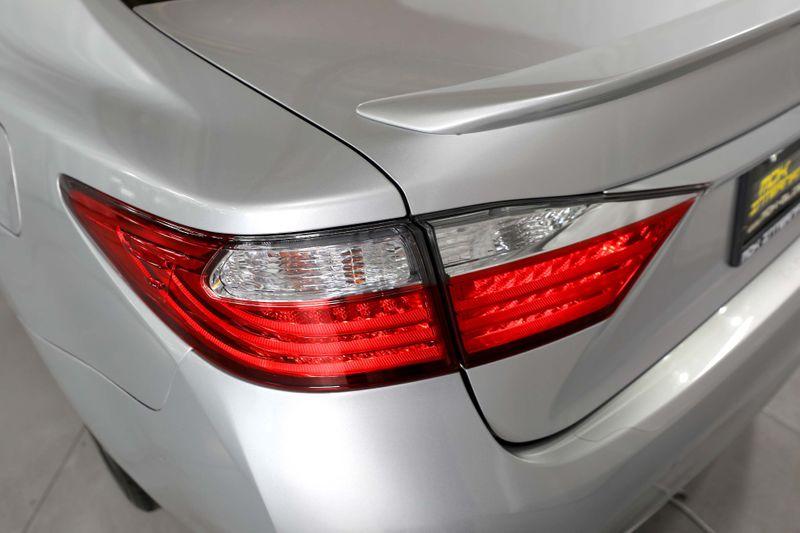 2014 Lexus ES 300h Hybrid - Ultra Luxury Pkg - Only 25K miles  city California  MDK International  in Los Angeles, California