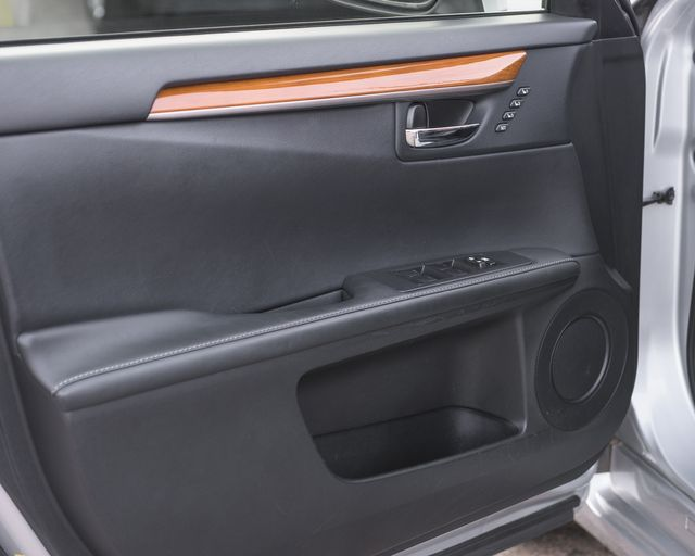 2014 Lexus ES 300h Hybrid Burbank, CA 21
