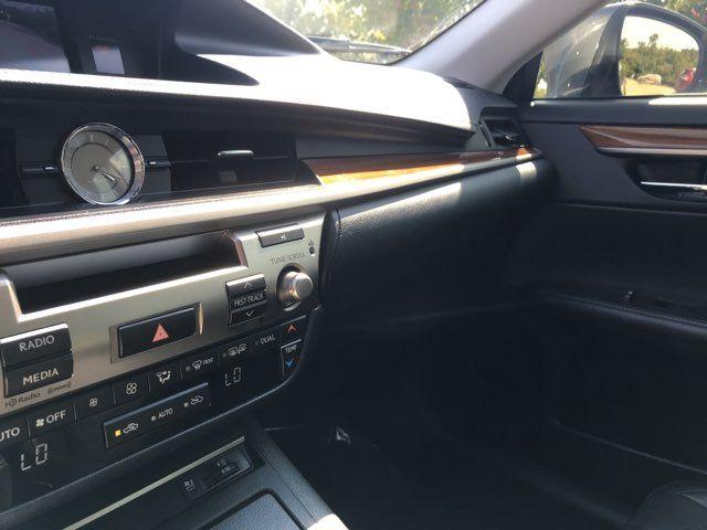 2014 Lexus ES 300h Hybrid in Carrollton, TX 75006