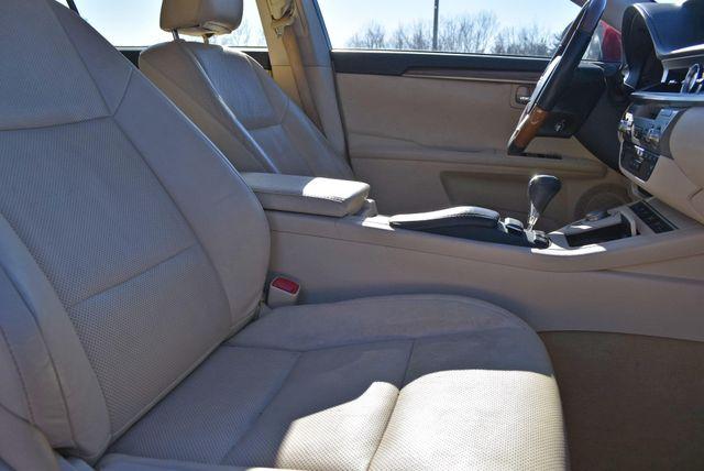 2014 Lexus ES 300h Hybrid Naugatuck, Connecticut 8