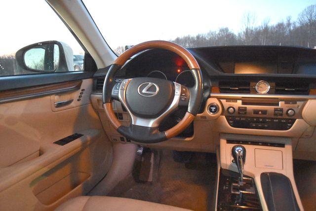 2014 Lexus ES 300h Hybrid Naugatuck, Connecticut 12