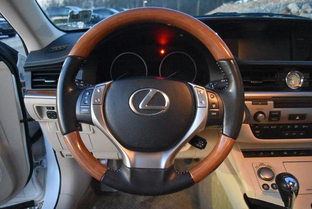 2014 Lexus ES 300h Hybrid Naugatuck, Connecticut 15