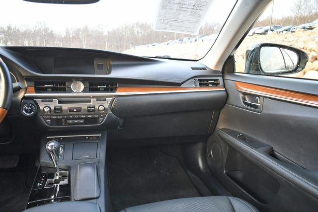 2014 Lexus ES 300h Hybrid Naugatuck, Connecticut 21