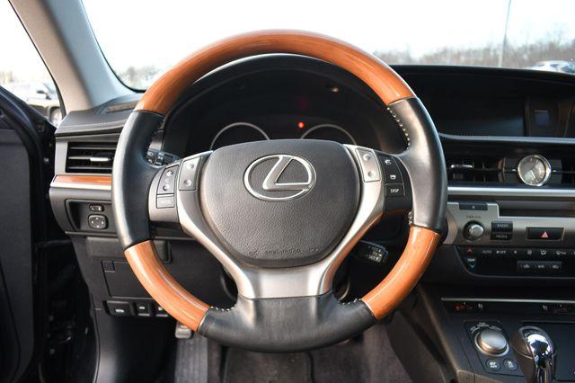 2014 Lexus ES 300h Hybrid Naugatuck, Connecticut 25