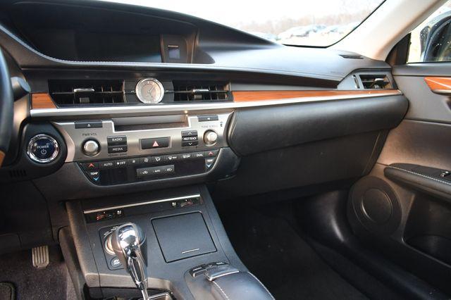 2014 Lexus ES 300h Hybrid Naugatuck, Connecticut 26