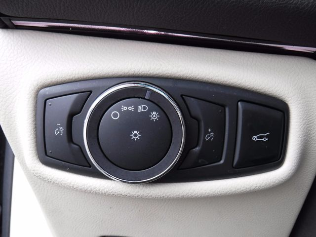 2014 Lincoln MKZ Hybrid in Gower Missouri, 64454